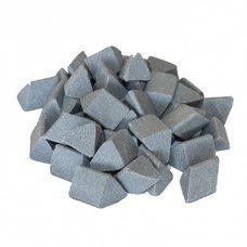 Галтовочные тела (наполнитель для галтовки) керамический скошенный треугольник №16 20х20 мм (RXXD 20/20 S)